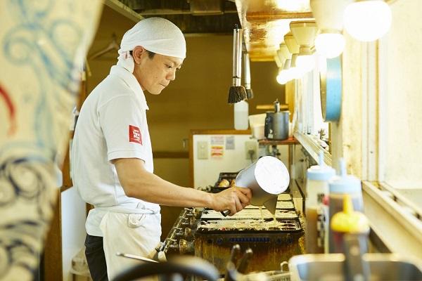 PROFESSIONs No.122 フランス料理の道からたこ焼き店へ
